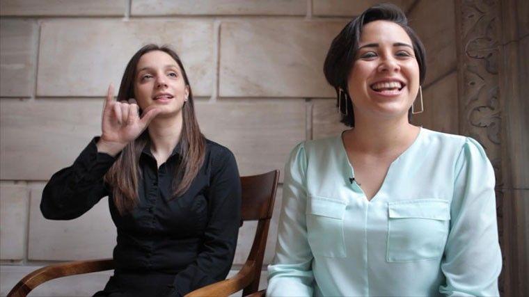 Using-sign-language